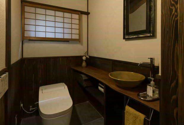 古民家リノベーション川西市木造建築家おしゃれなトイレ