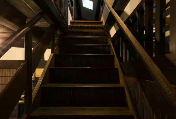 古民家リノベーション川西市木造建築家階段