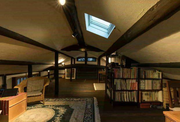 古民家リノベーション川西市木造建築家小屋裏部屋と天窓